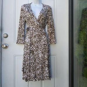 Diane Von Furstenberg Silk Wrap Dress Sz 10